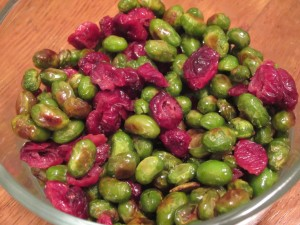 Dry-Roasted Edamame and Cranberry Mix