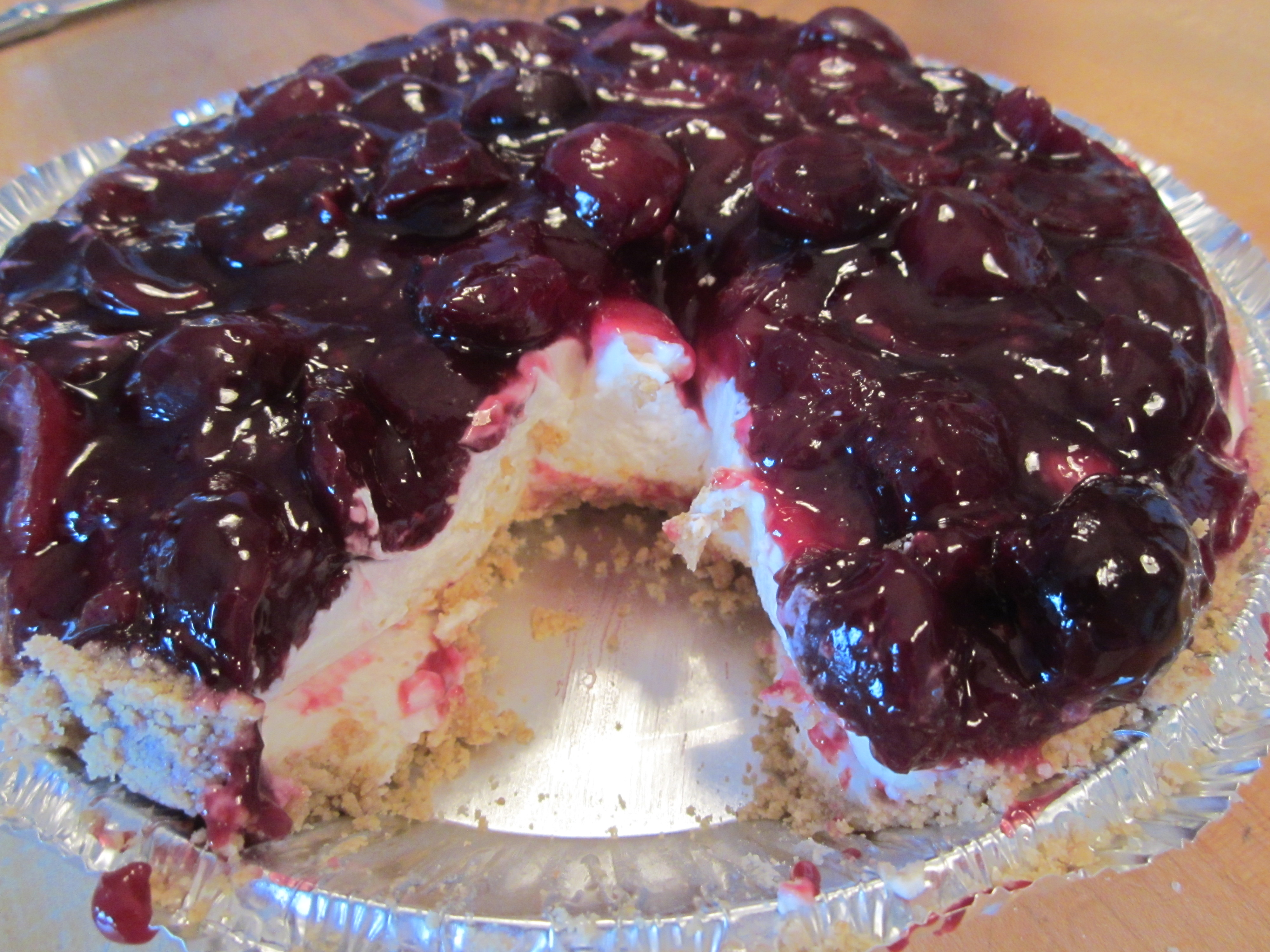No Bake Cherry Cheesecake Pie