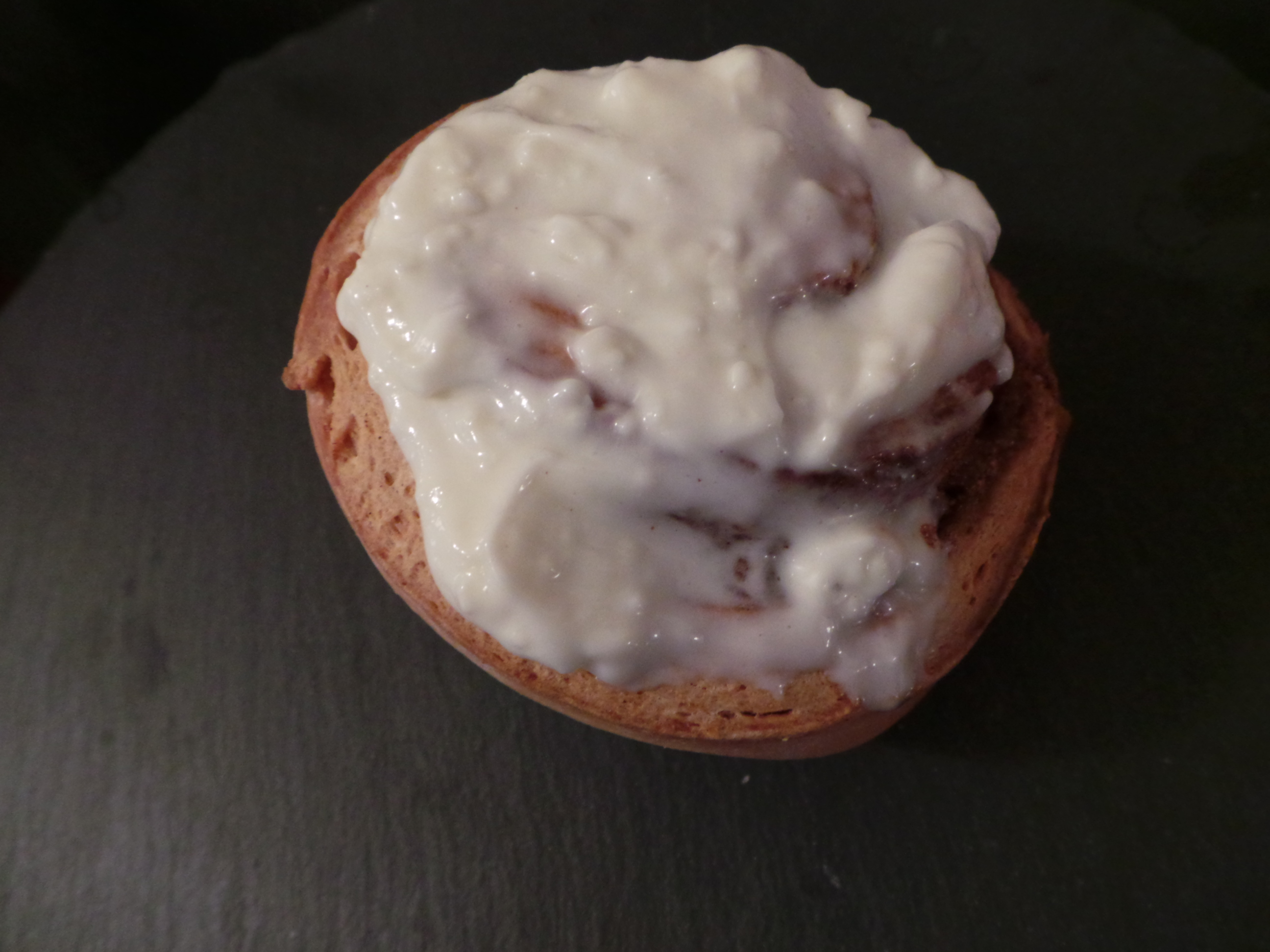 cinnamon bun with cream cheese
